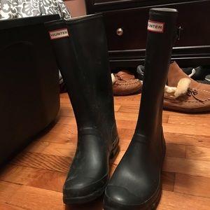 Size 8 Wide calf Huntress boots